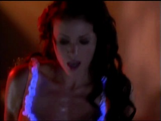 Charmed - Hold it Against me - Alyssa Milano lapdance